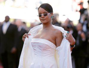 Rihanna_Okja_Red_Carpet_Arrivals_70th_Annual-1