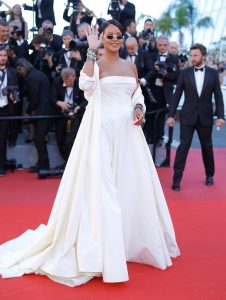 Rihanna_Okja_Red_Carpet_Arrivals_70th_Annual-1