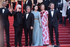 fan-bing-bing-cannes-opening-ceremony-11