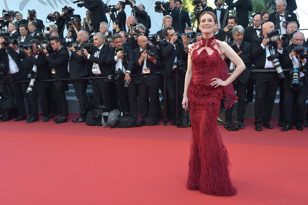 julianne-moore-cannes-2017-1
