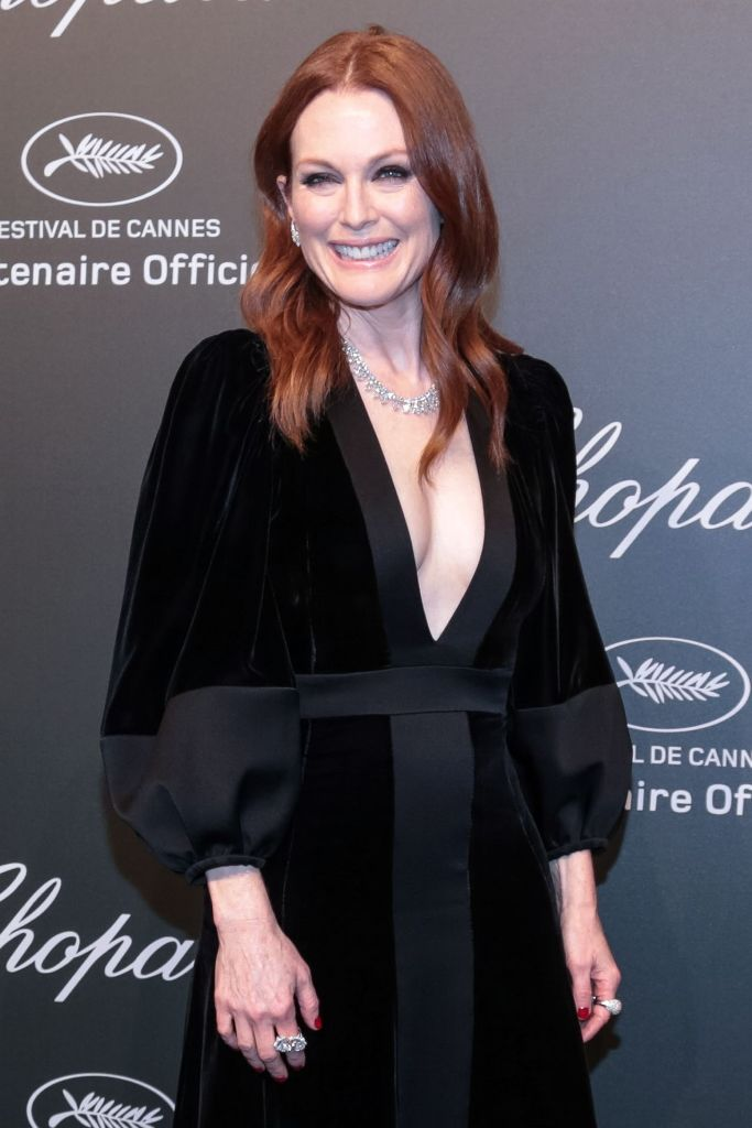 julianne-moore-chopard-space-party-in-cannes-france-05-19-2017-1