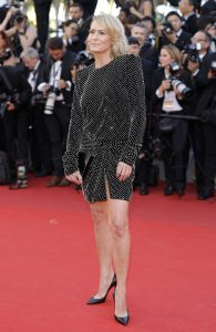 robin-wright-cannes-2017-11