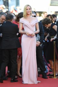 uma-thurman-cannes-opening-ceremony-1