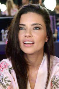 Adriana-Lima-Victorias-Secret-Fashion-Show-2017-11