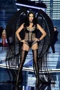 Adriana-Lima-Victorias-Secret-Fashion-Show-2017-4