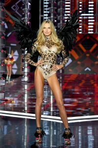 Romee-Strijd-Victorias-Secret-Fashion-Show-2017-1