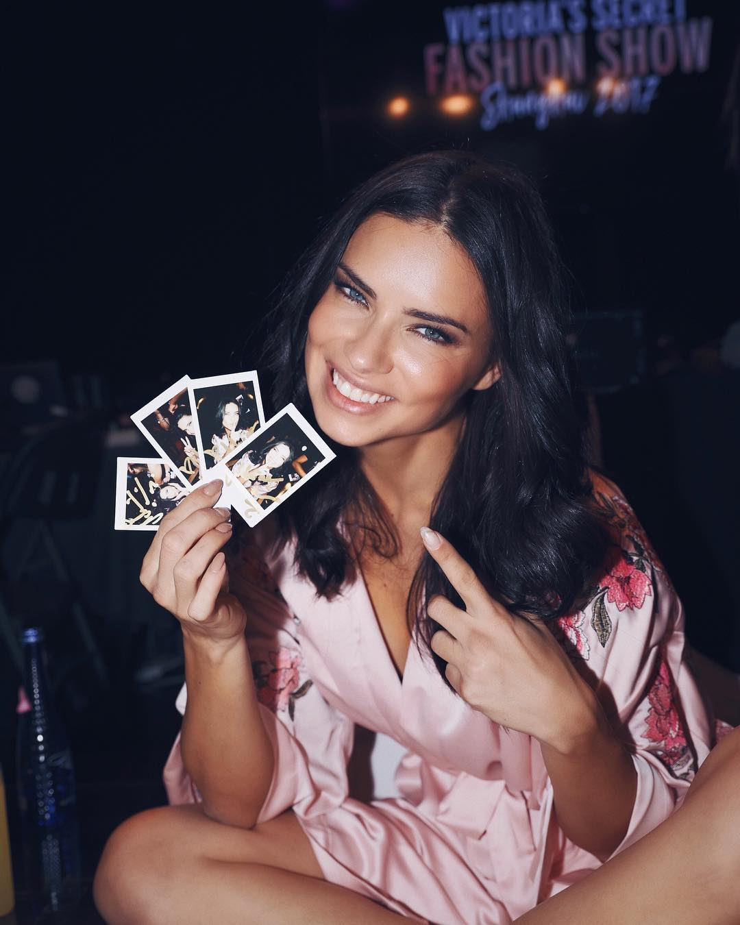 victorias-secret-models-backstage-adriana