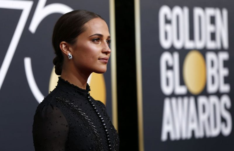 alicia-vikander-golden-globe-awards-2018-10