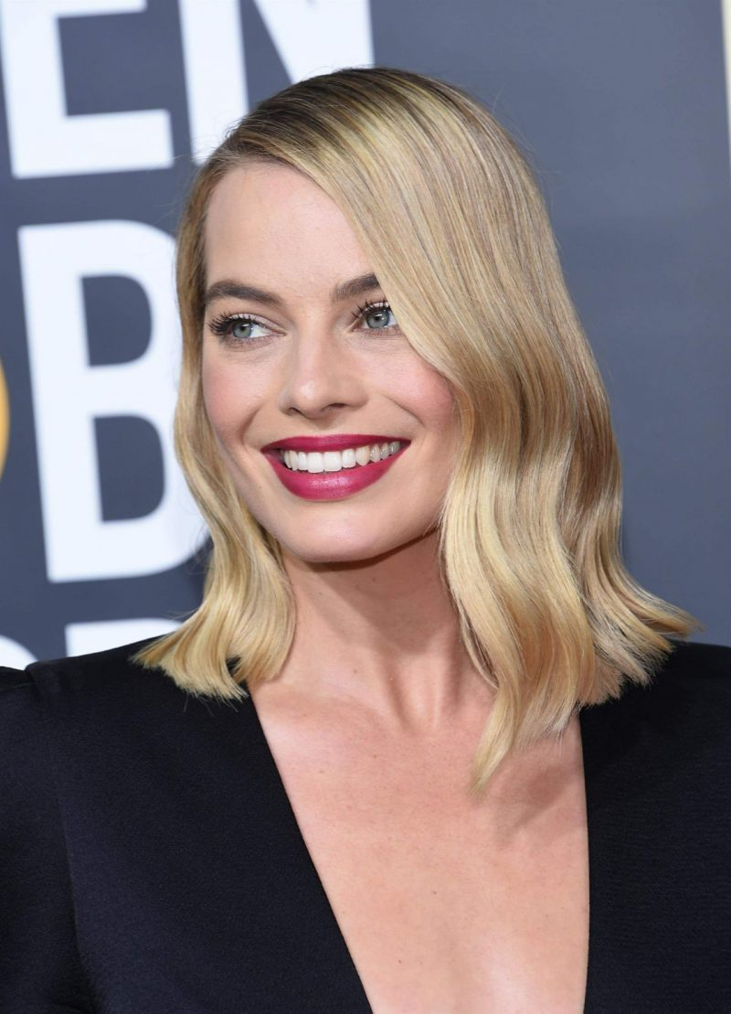 margot-robbie-golden-globe-awards-2018-7