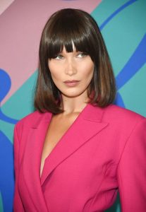 bella-hadid-celebrity-bags-hairstyle