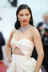 Adriana+Lima+Burning+Beoning+Red+Carpet+Arrivals+nTpXidqJwIdx