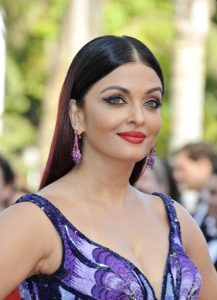 aishwarya-rai-girls-of-the-sun-premiere-at-cannes-film-festival-3
