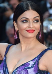 aishwarya-rai-girls-of-the-sun-premiere-at-cannes-film-festival-6