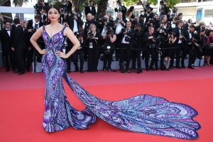 aishwarya-rai-girls-of-the-sun-premiere-at-cannes-film-festival-8