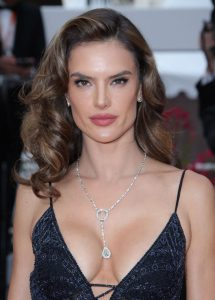 alessandra-ambrosio-solo-a-star-wars-story-red-carpet-in-cannes-0