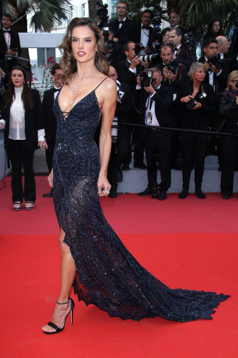 alessandra-ambrosio-solo-a-star-wars-story-red-carpet-in-cannes-8