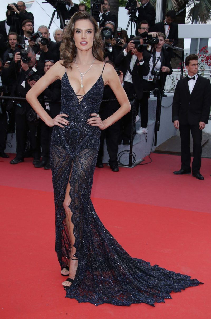 alessandra-ambrosio-solo-a-star-wars-story-red-carpet-in-cannes-9