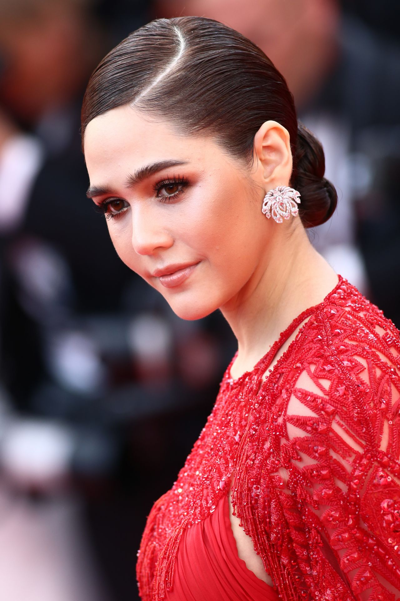 araya-hargate-everybody-knows-premiere-and-cannes-film-festival-2018-opening-ceremony-6