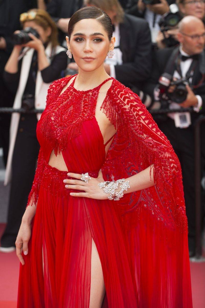 araya-hargate-everybody-knows-premiere-and-cannes-film-festival-2018-opening-ceremony-8
