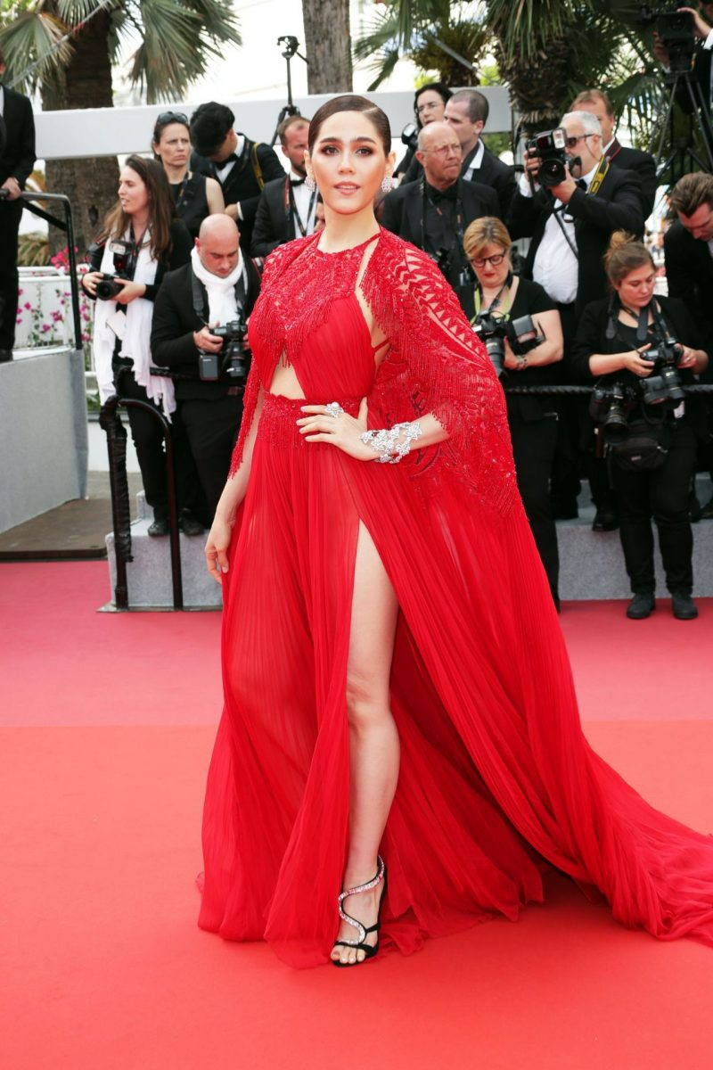 araya-hargate-everybody-knows-premiere-and-cannes-film-festival-2018-opening-ceremony-9