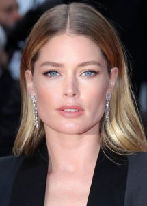 doutzen-kroes-solo-a-star-wars-story-red-carpet-in-cannes-1