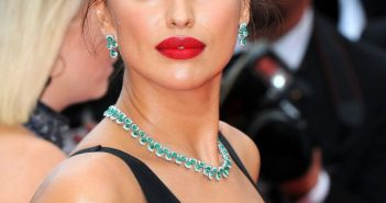 irina-shayk-yomeddine-red-carpet-at-cannes-film-festival-2018-8