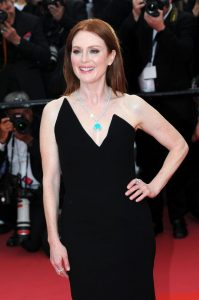 julianne-moore-yomeddine-red-carpet-at-cannes-film-festival-2018-1