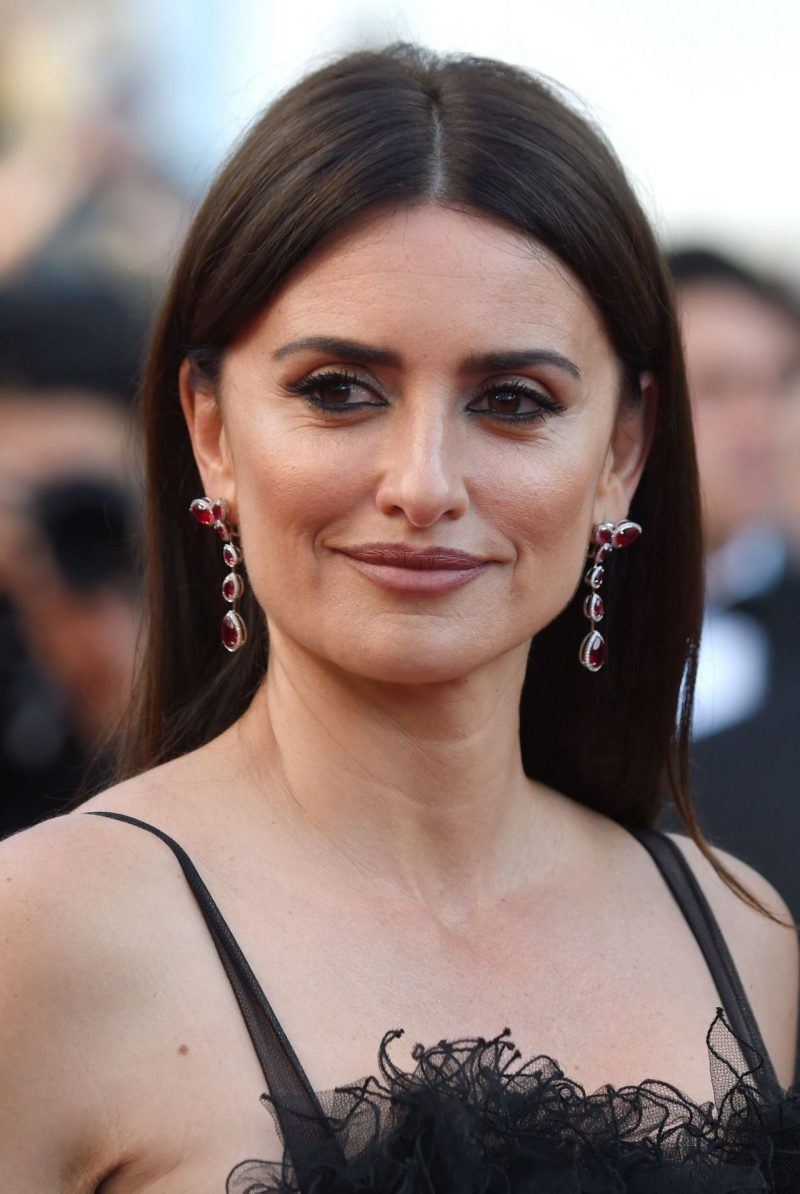 penelope-cruz-everybody-knows-premiere-and-cannes-film-festival-2018-opening-ceremony-13