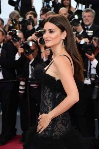 penelope-cruz-everybody-knows-premiere-and-cannes-film-festival-2018-opening-ceremony-15