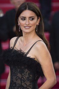 penelope-cruz-everybody-knows-premiere-and-cannes-film-festival-2018-opening-ceremony-20