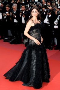 penelope-cruz-everybody-knows-premiere-and-cannes-film-festival-2018-opening-ceremony-23