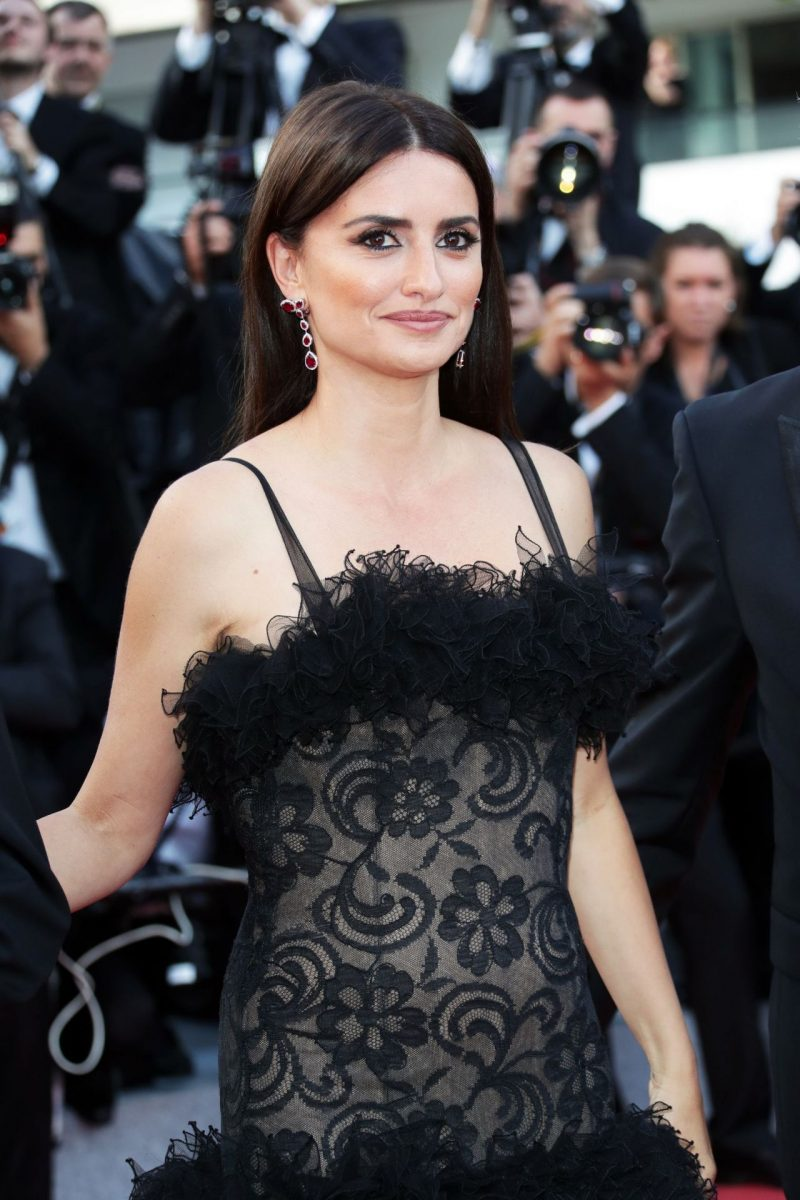 penelope-cruz-everybody-knows-premiere-and-cannes-film-festival-2018-opening-ceremony-5