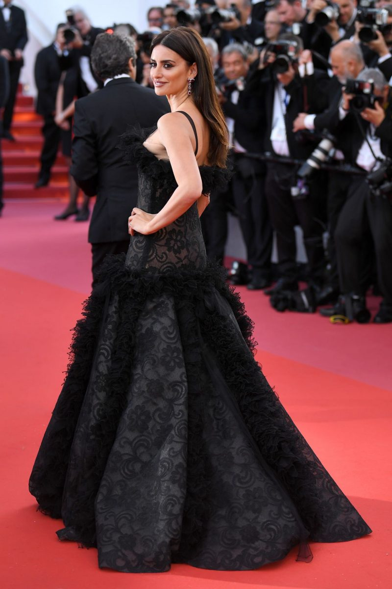 penelope-cruz-everybody-knows-premiere-and-cannes-film-festival-2018-opening-ceremony-7