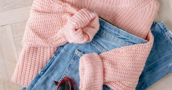 pink-sweater-pair-with-denim-jeans