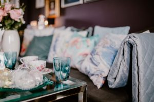 Blue blanket and pillows-home-decor-ideas